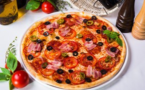 Picture pizza, tomato, bacon, olives, spices, Basil