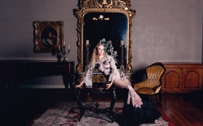 Picture pose, table, Apple, interior, carpet, picture, chair, candles, makeup, figure, dress, actress, mirror, hairstyle, blonde, ...