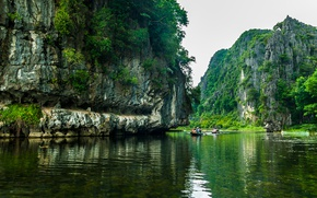 Picture river, rocks, boats, Vietnam