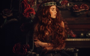 Picture girl, decoration, darkness, room, roses, red, piano, piano, Diadema, Princess, curls, closed eyes, long-haired
