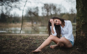 Picture girl, trees, smile, pond, Park, mood, shorts, makeup, brunette, hairstyle, blouse, white, sitting, bokeh, barefoot, …