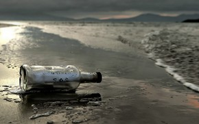 Picture sea, shore, bottle, note