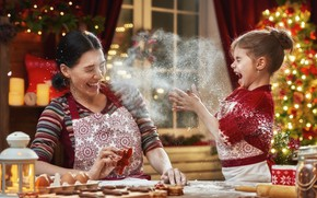 Picture holiday, new year, mom, fun, daughter, flour