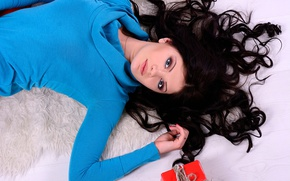 Picture look, girl, box, gift, brunette, curls, sweater