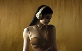 Picture headphones, celebrity, Kylie Jenner