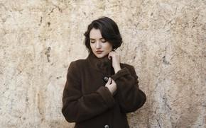 Picture face, background, model, brunette, coat