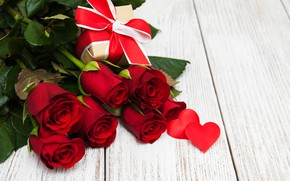 Picture love, flowers, roses, bouquet, hearts, red, red, love, wood, flowers, romantic, hearts, Valentine's Day, gift, …