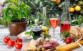 Picture table, wine, red, glass, oil, cheese, bread, vegetables, tomatoes, olives, spaghetti, wood, sausage, garlic, cutting ...