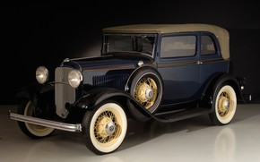 Picture retro, Ford, 1932, V8 Convertible Sedan