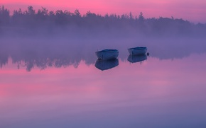 Picture night, fog, lake, boats