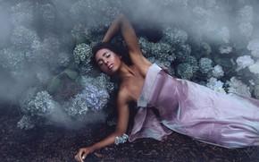 Picture girl, flowers, Danielle Sams