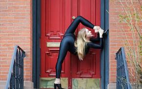 Picture girl, pose, house, door, figure