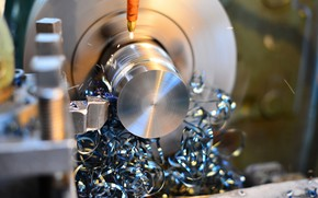 Picture chips, lathe, metallurgy, lubricants