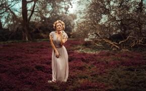Picture pose, glade, model, dress, wreath, Monika Metzner, Andreas-Joachim Lins