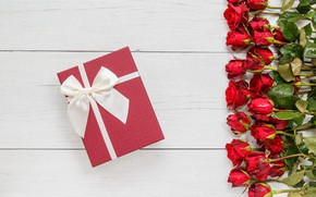 Picture flowers, gift, roses, bouquet, red, red, buds, wood, flowers, romantic, gift, roses, bud