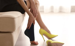 Picture legs, yellow, heels, facitis palntar