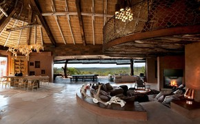 Picture interier, villa in South Africa, spacious luxury living room, traditional style