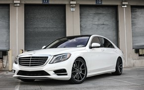 Picture Mercedes, black, with, S550, roof, painted, gloss