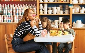 Picture children, model, pencil, Gigi Hadid