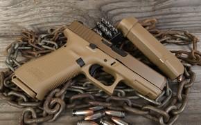 Picture gun, chain, Glock 19X