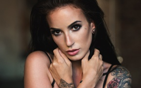Picture look, girl, face, background, portrait, hands, makeup, brunette, tattoo, hairstyle, beauty, bokeh, closeup, Mark Prinz