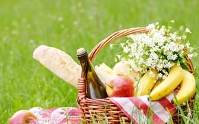 Picture greens, field, grass, wine, basket, bottle, cheese, glasses, bread, bananas, fruit, picnic, nature, bokeh, jablecki