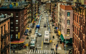 Picture the city, movement, street, the building, cars, New York
