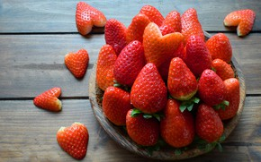 Picture love, berries, heart, strawberry, red, love, fresh, romantic, hearts, strawberry, valentine, berries