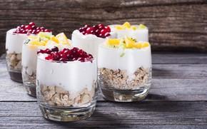 Picture berries, cereal, yogurt