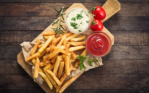 Picture french fries, rosemary, Portion, sauce tomatoes