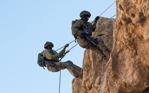 Wallpaper rope, soldiers, weapons, rock