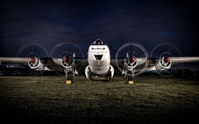 Picture the plane, four-engine, piston, anti-submarine, patrol, Shackleton