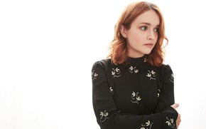 Picture actress, red, Olivia Cooke