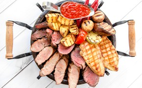 Picture mushrooms, eggplant, meat, sauce, potatoes, grill