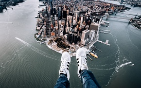 Picture the city, feet, New York, panorama, Manhattan, sneakers, Manhattan, New York City, Hudson River, East …