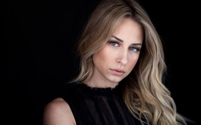 Picture model, portrait, makeup, hairstyle, blonde, black background, Kalinka, Kevin Mathison