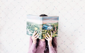Picture girl, hands, book, Harry Potter and the chamber of secrets, Harry Potter and the Chamber …