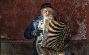 Picture music, the old man, accordion