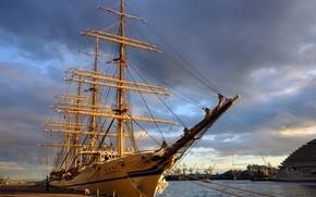 Picture ship, Marina, Nippon Maru, sailing