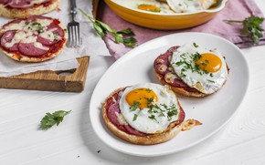 Picture scrambled eggs, Breakfast, mini pizza