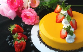 Picture roses, strawberry, cake