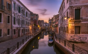 Picture lights, boat, home, Italy, Venice, channel
