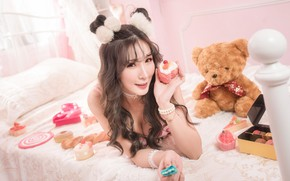 Picture girl, toy, bear, bed, Picasa