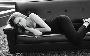 Picture sofa, model, lies, black and white, Cara Delevingne