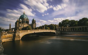 Picture The Berliner Dom, Spree, awesome sky