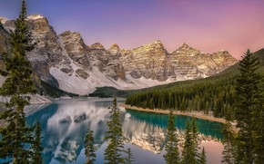 Picture mountains, lake, the evening