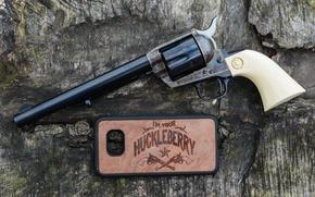 Wallpaper trunk, Colt, Revolver