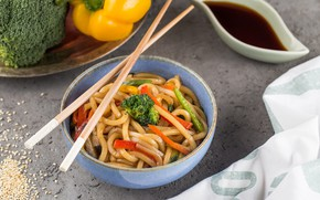 Picture sticks, pepper, soy sauce, broccoli, Noodles