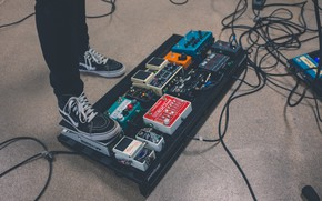 Picture Music, Effects pedal, The pedal Board