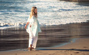 Picture surf, girl, walk, Edie Layland, Girl On A Beach